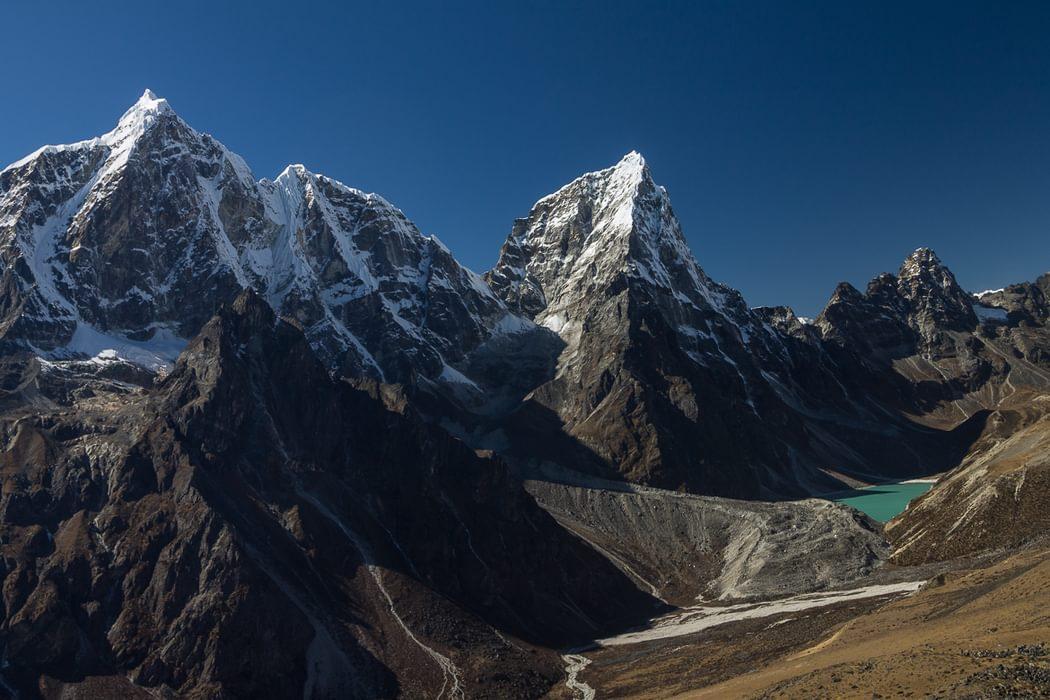 Taboche 6495M And  Cholatse 6440M Seen From The Way To  Nangkartshang Peak