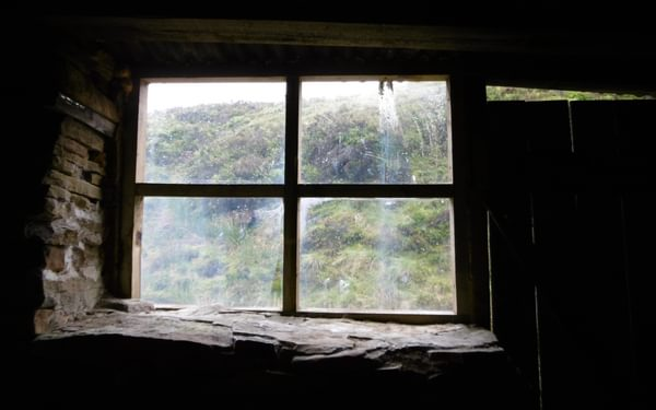 The Shooring Cabin On The Way Down To The Infant  River  Derwent