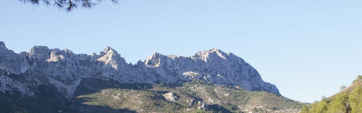 Scrambling in solitude on the Costa Blanca