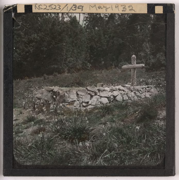 Gustav Weindorfers grave May 1932 F Smithies Collection Tasmanian Archives NS2523 1 39