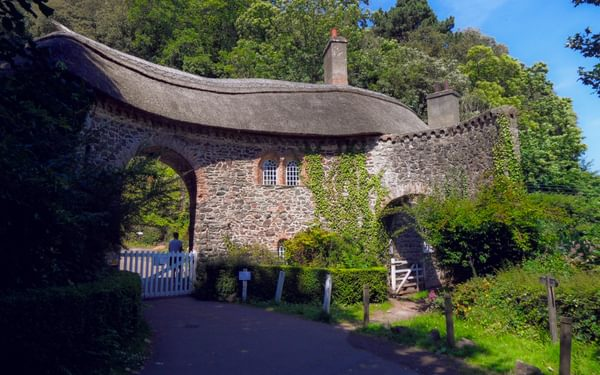 Somerset Gatehouse, one of many thatched buildings on the route