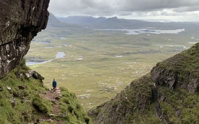 If the final tower of the Suilven traverse doesnt appeal theres a reasonable trod to the south which avoids the difficulties