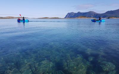 Paddling up Bergsfjorden between the islands