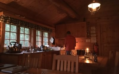 Self-serviced huts have a well-appointed kitchen, allowing you to prepare your own meals (Eiriksvollen-Dovrefjell)