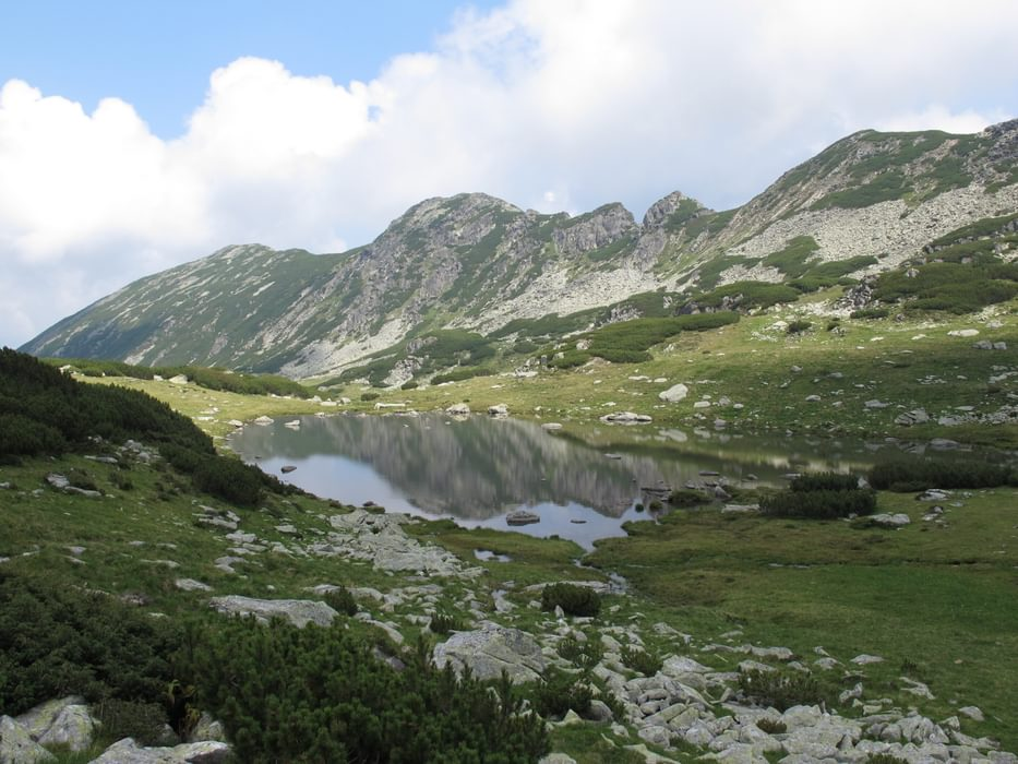 Lovely Lacul Stanisoara and the Culmea Stanisoara ridge