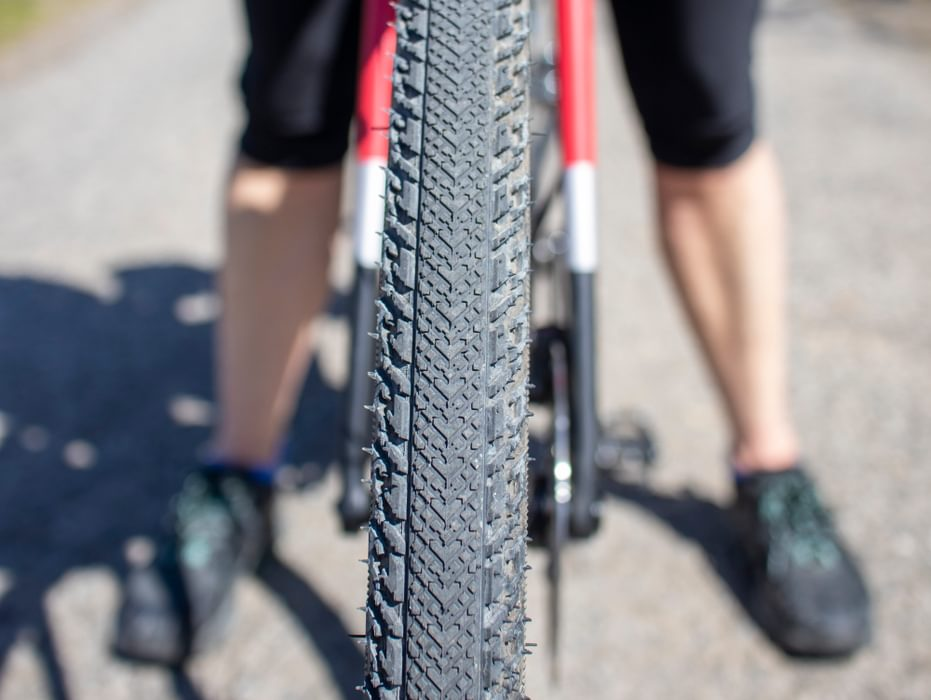 A 38c wide gravel tyre suitable for mixed road and trail use