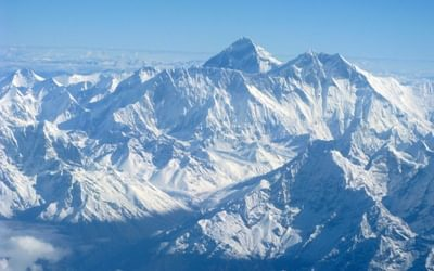 Flight Past Everest