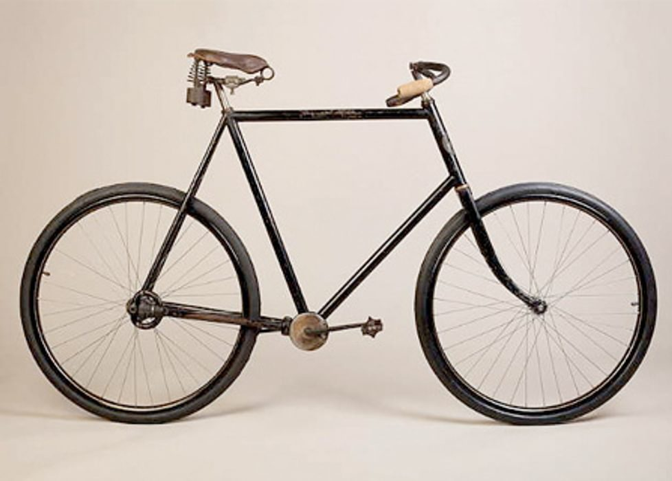 early 20th century bicycle