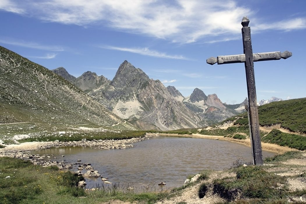 A rustic signpost on the GR5 trail