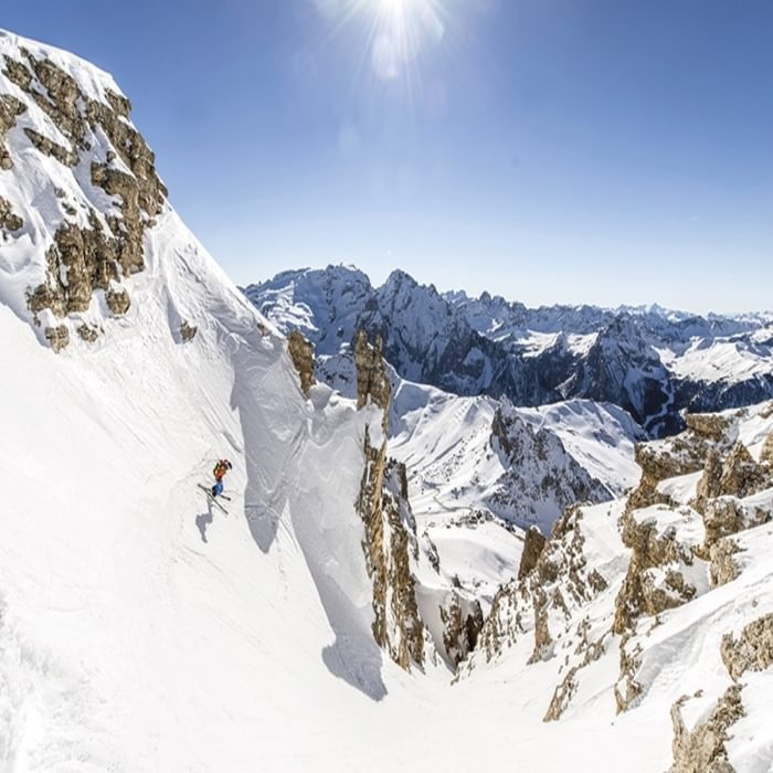 745 Sp1  Ski Touring and Snowshoeing in the Dolomites