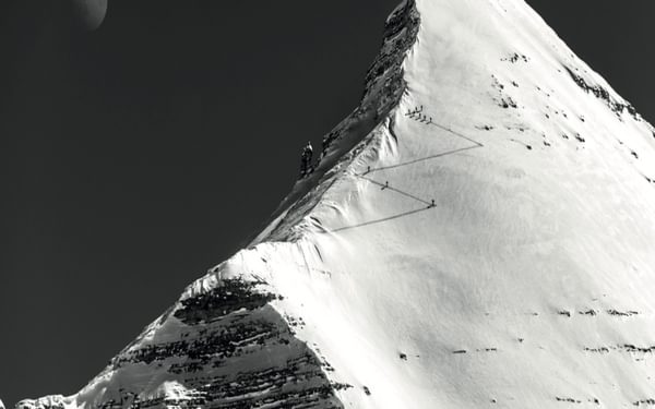 Making the final ascent to the summit of Tofana di Rozes