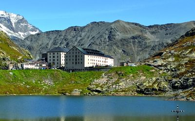 Hospice, Great St Bernard Pass