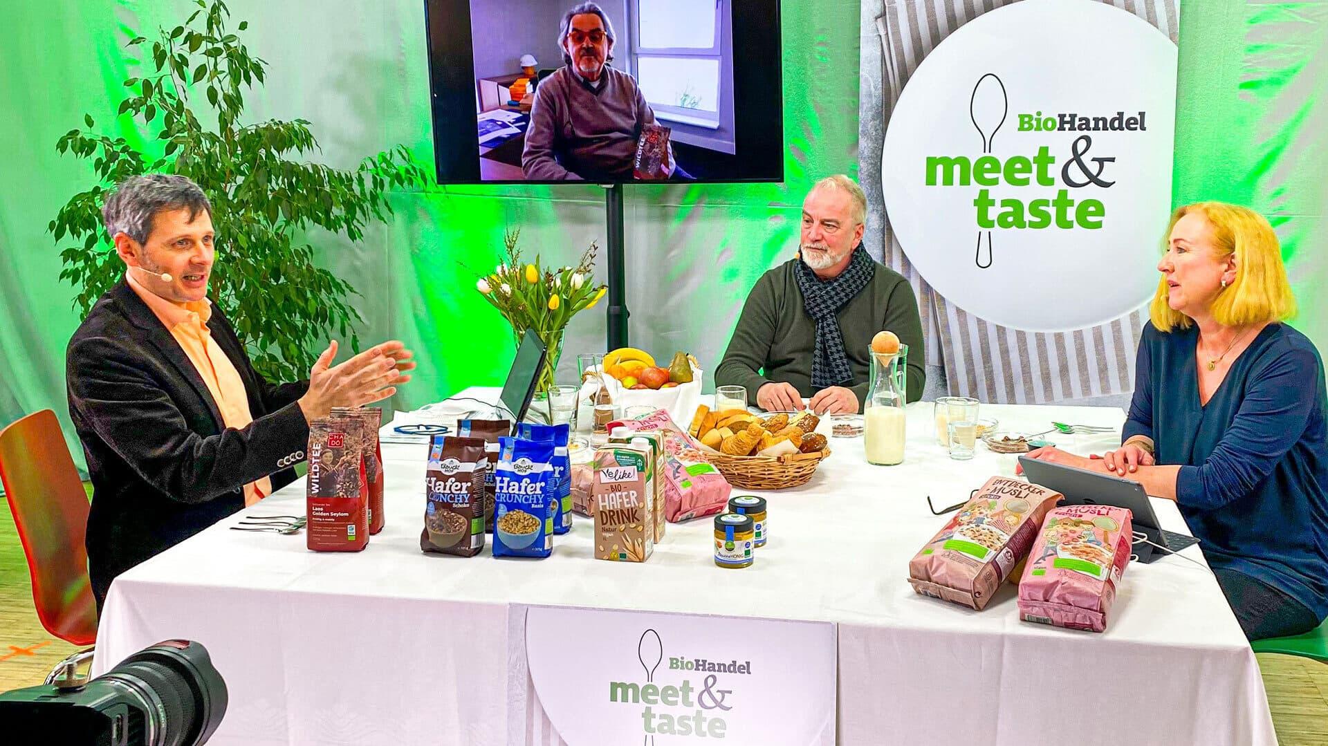 Helge Weichmann, Oliver Topp und Natascha Becker bei der Moderation von Meet & Taste