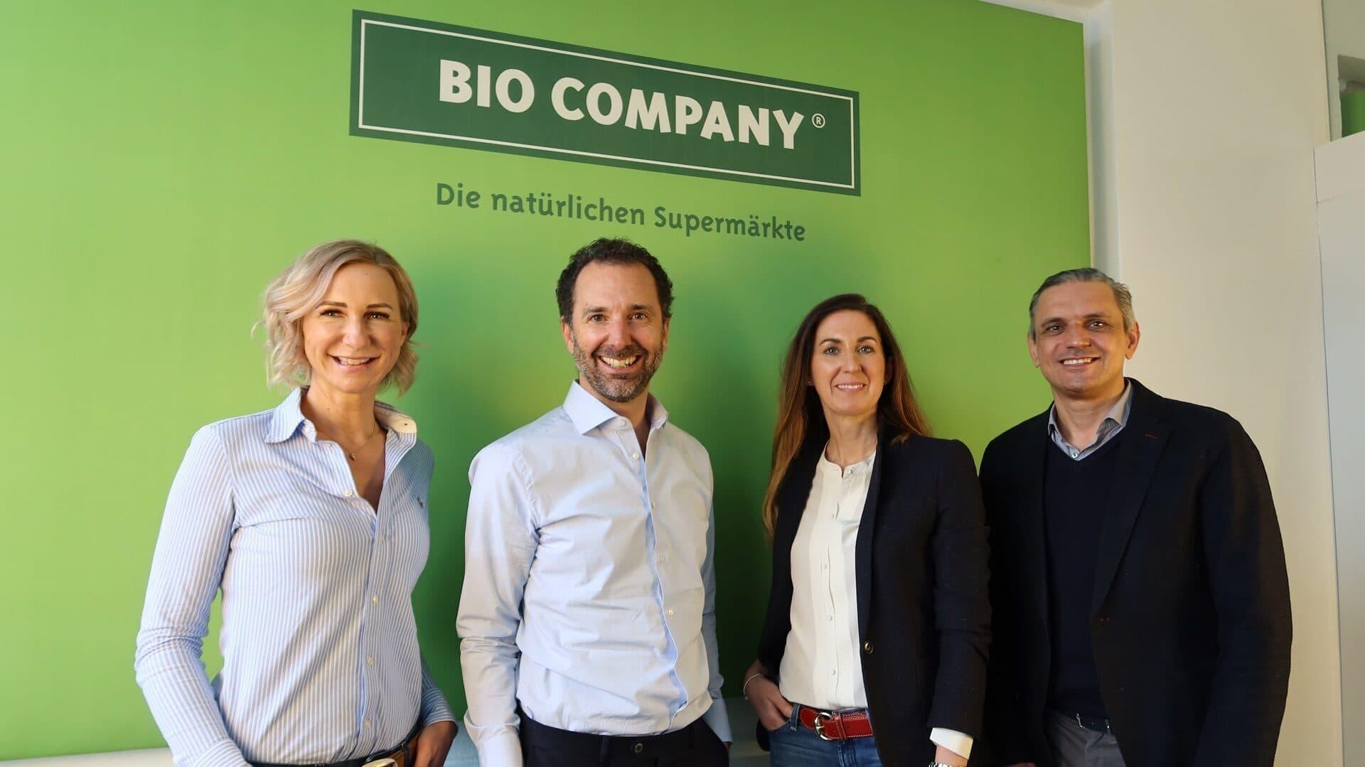 Bio Company; (v.l.n.r.): Vorstände Nicole Korset-Ristic (Verkauf/Expansion), Boris Frank (Marketing/Einkauf/IT), Daniela Feldt (Finanzen/Personal) und Aufsichtsrat Georg Kaiser