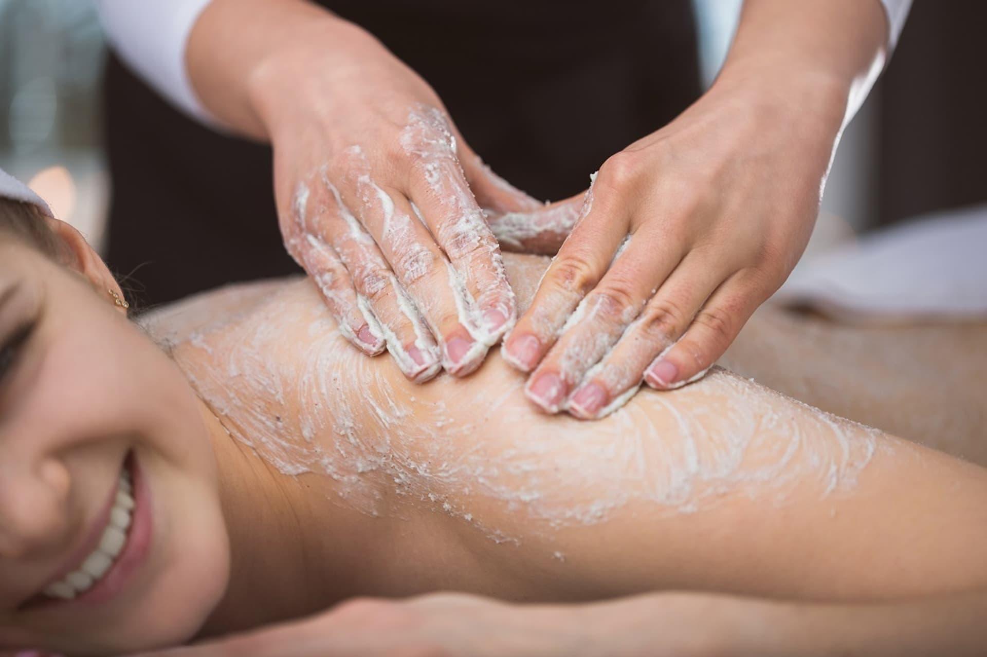 """Peeling ohne Reue: Alle zertifizierten Naturkosmetik-Körperpeelings schnitten mit """"sehr gut"""" ab"""