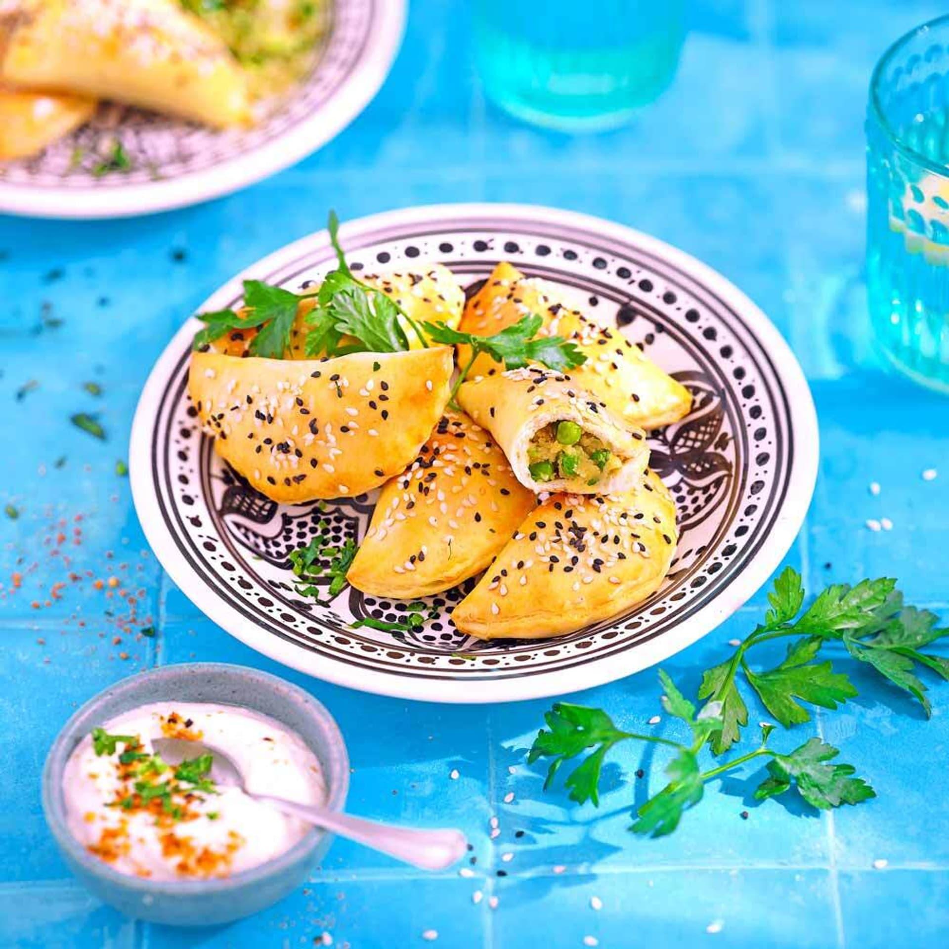 Kleine Kartoffel Erbsen Pasteten mit Dukkah Frischkaese Di