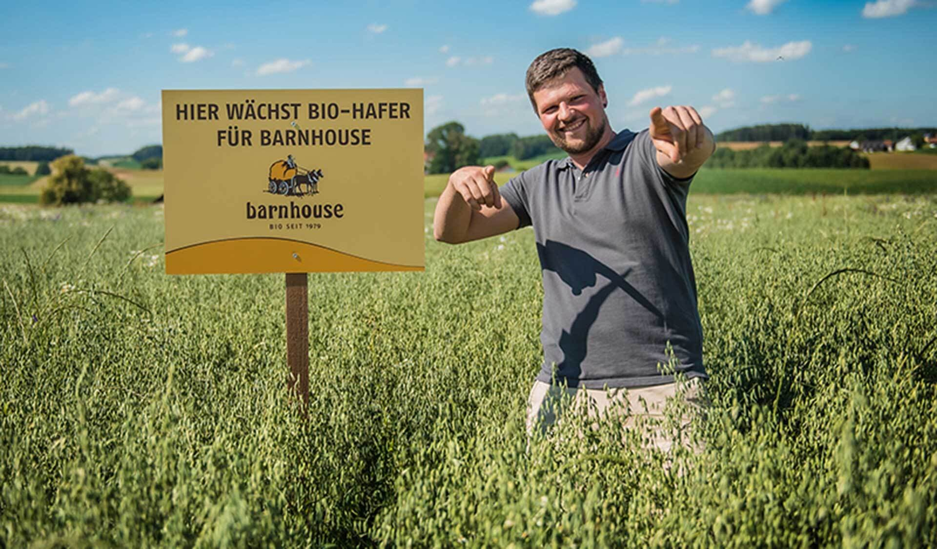Barnhouse-Bauer Johannes Hobmaier im Feld