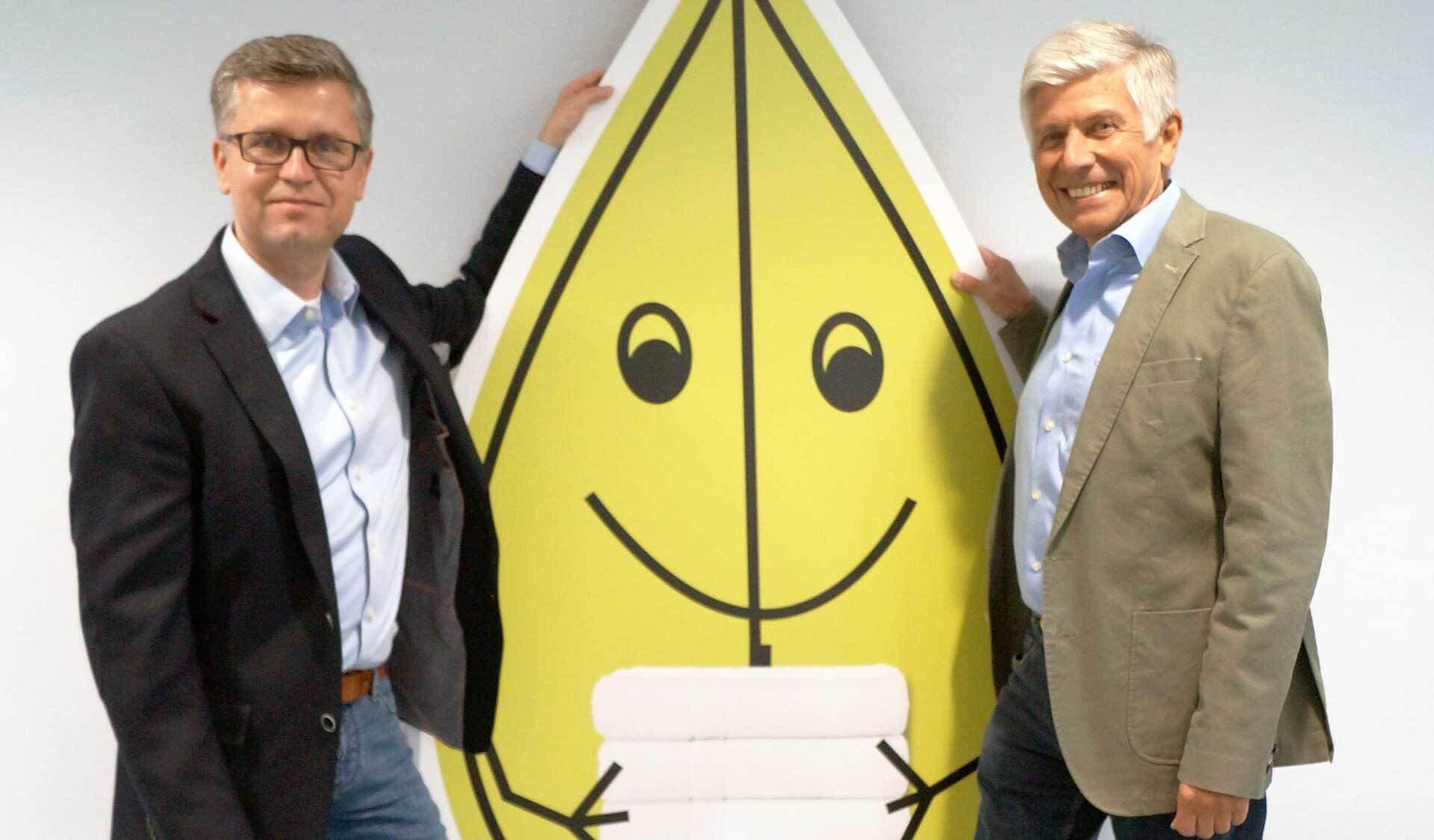 Der neue Almawin-Vertriebsleiter Bernd Rühle (links) und sein Vorgänger Ignaz Muttenhammer.