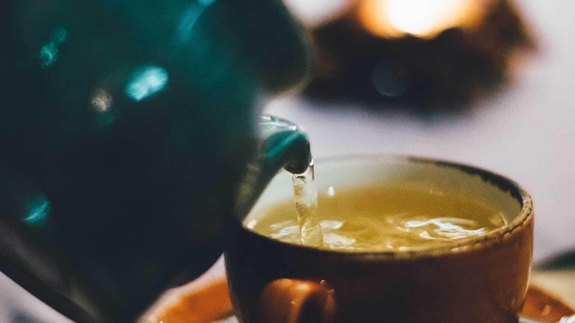 Teekanne udn Teetasse
