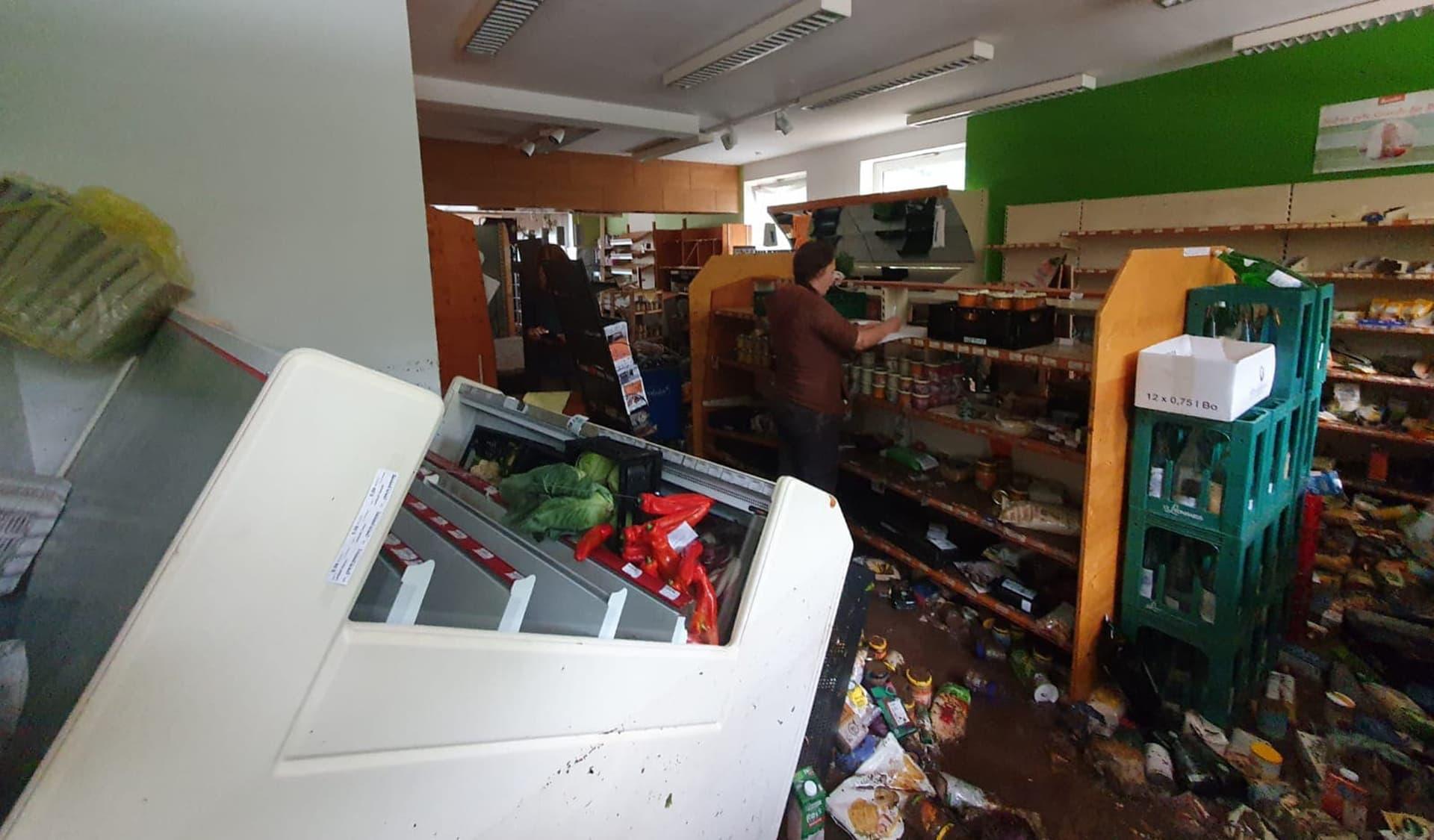 Hochwasser im Ladenlokal Naturkost Eifel