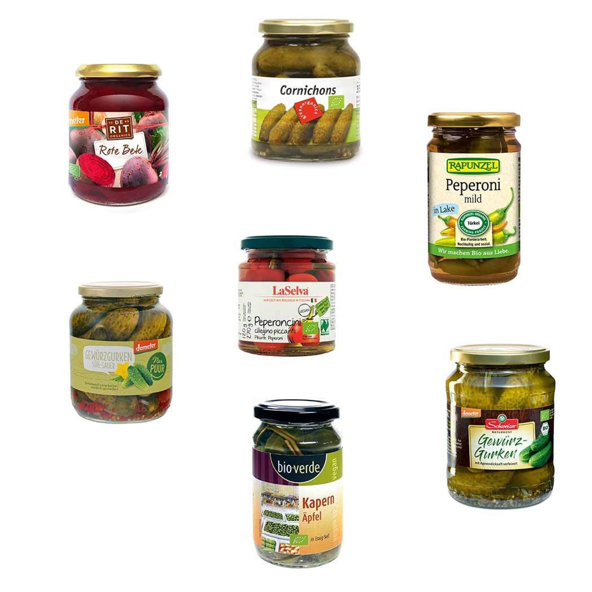Sieben Produkte mit sauer eingelegtem Gemüse