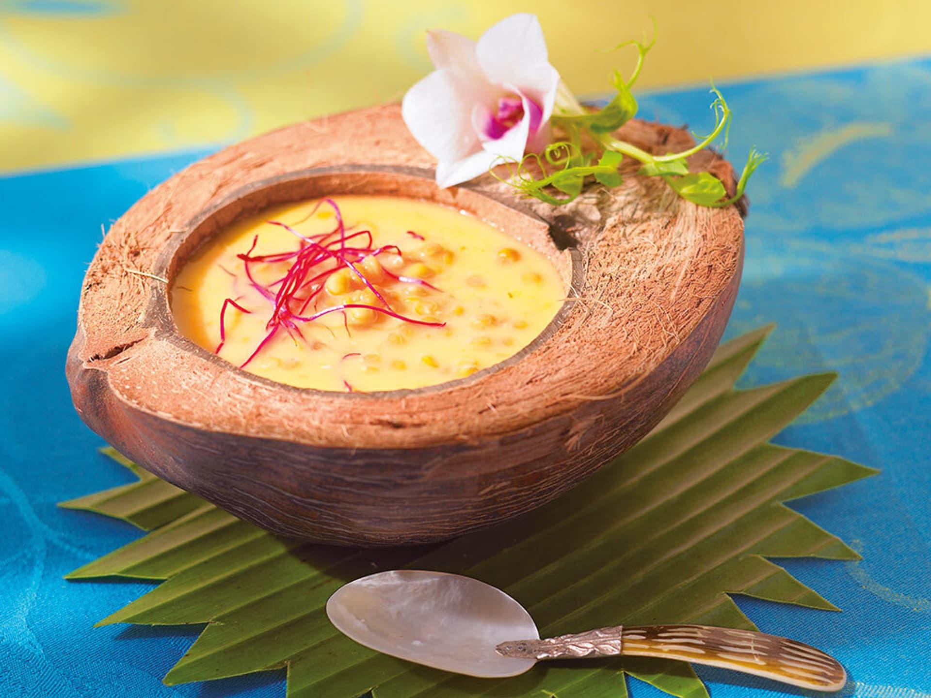 Ananas-Chili-Suppe mit roten Linsen