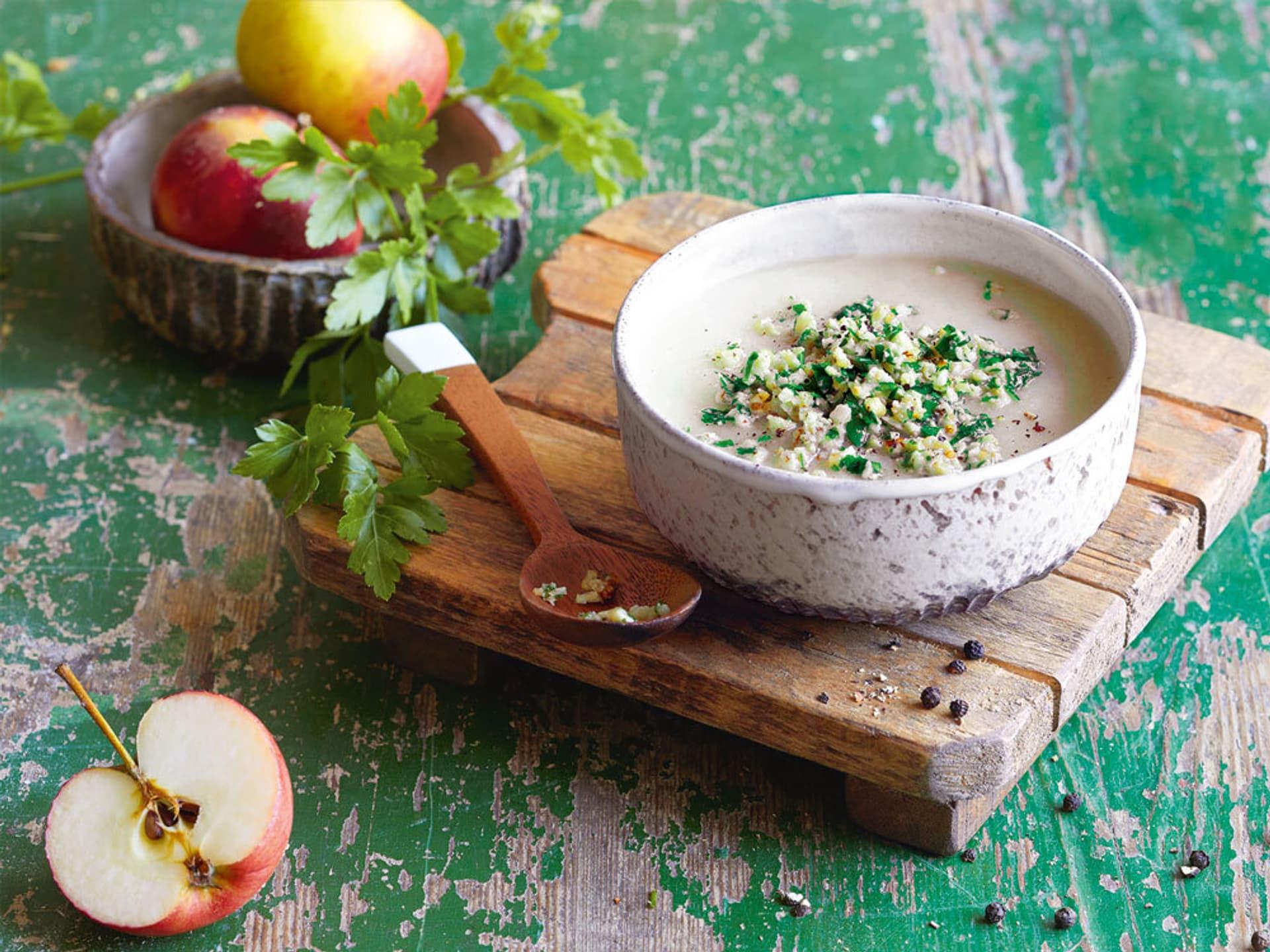 Apfel-Kohlrabi-Suppe