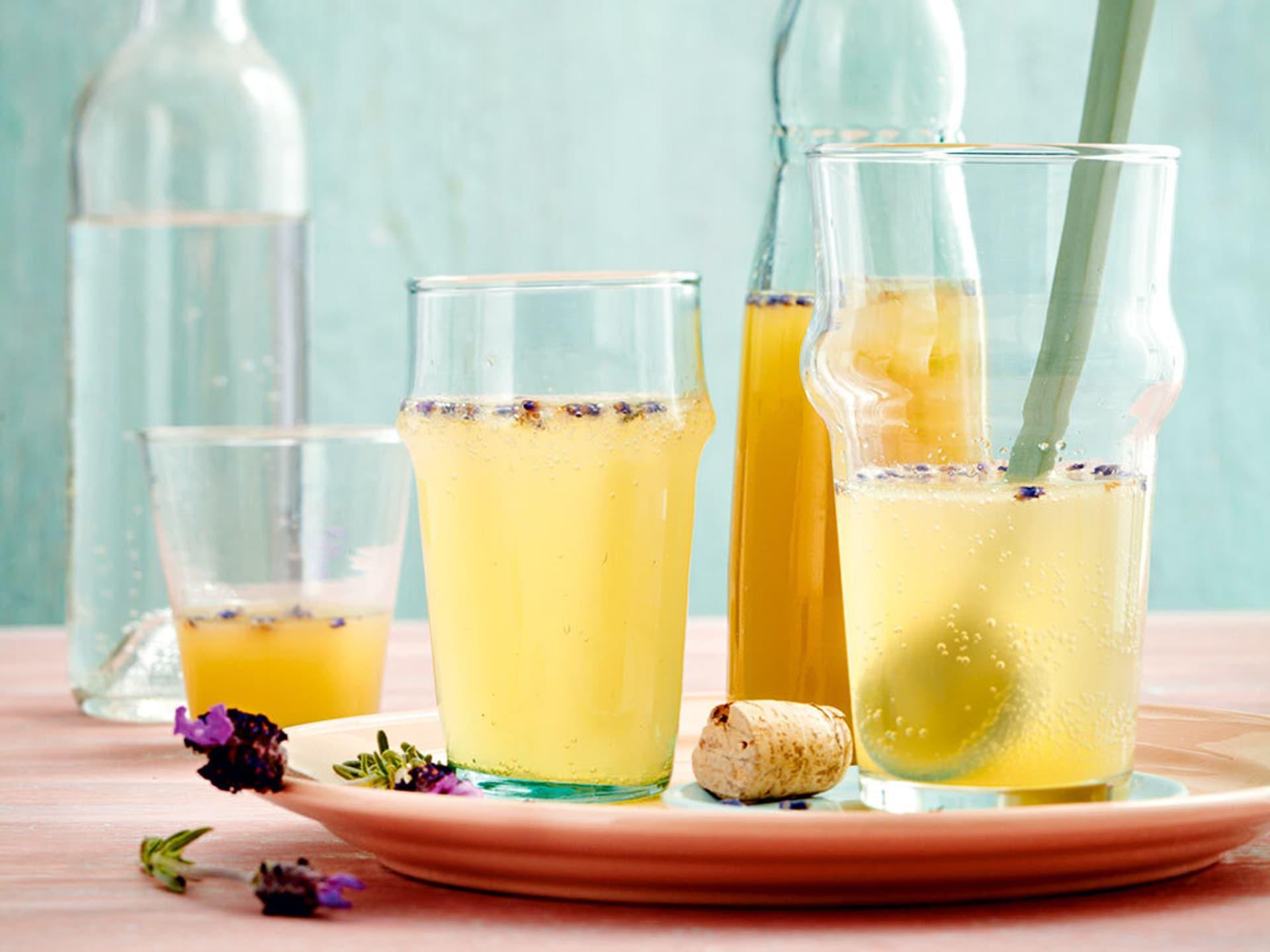 Birne-Lavendel-Spritz