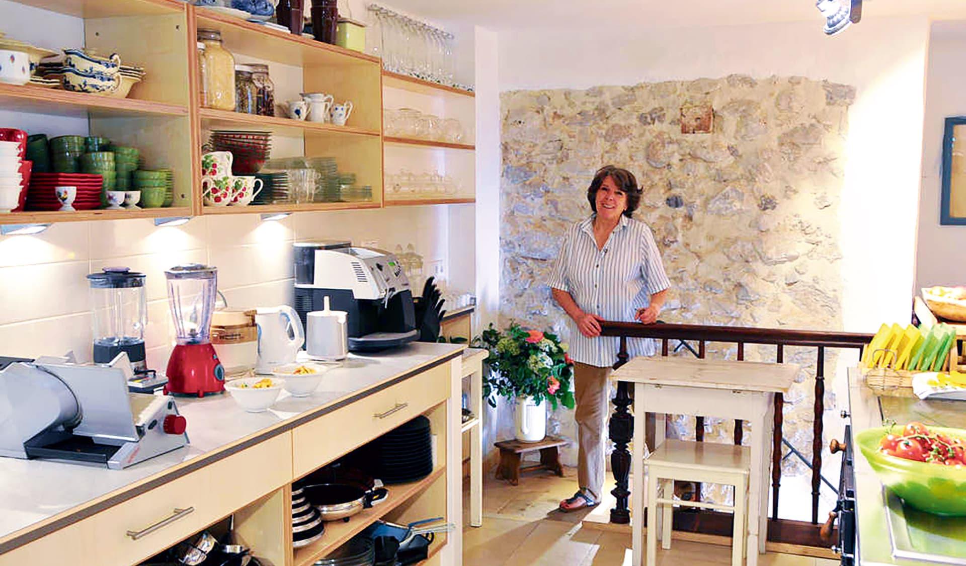 Bio-Spitzenköchin Christel Kurz in ihrer Küche ind Bertesgaden