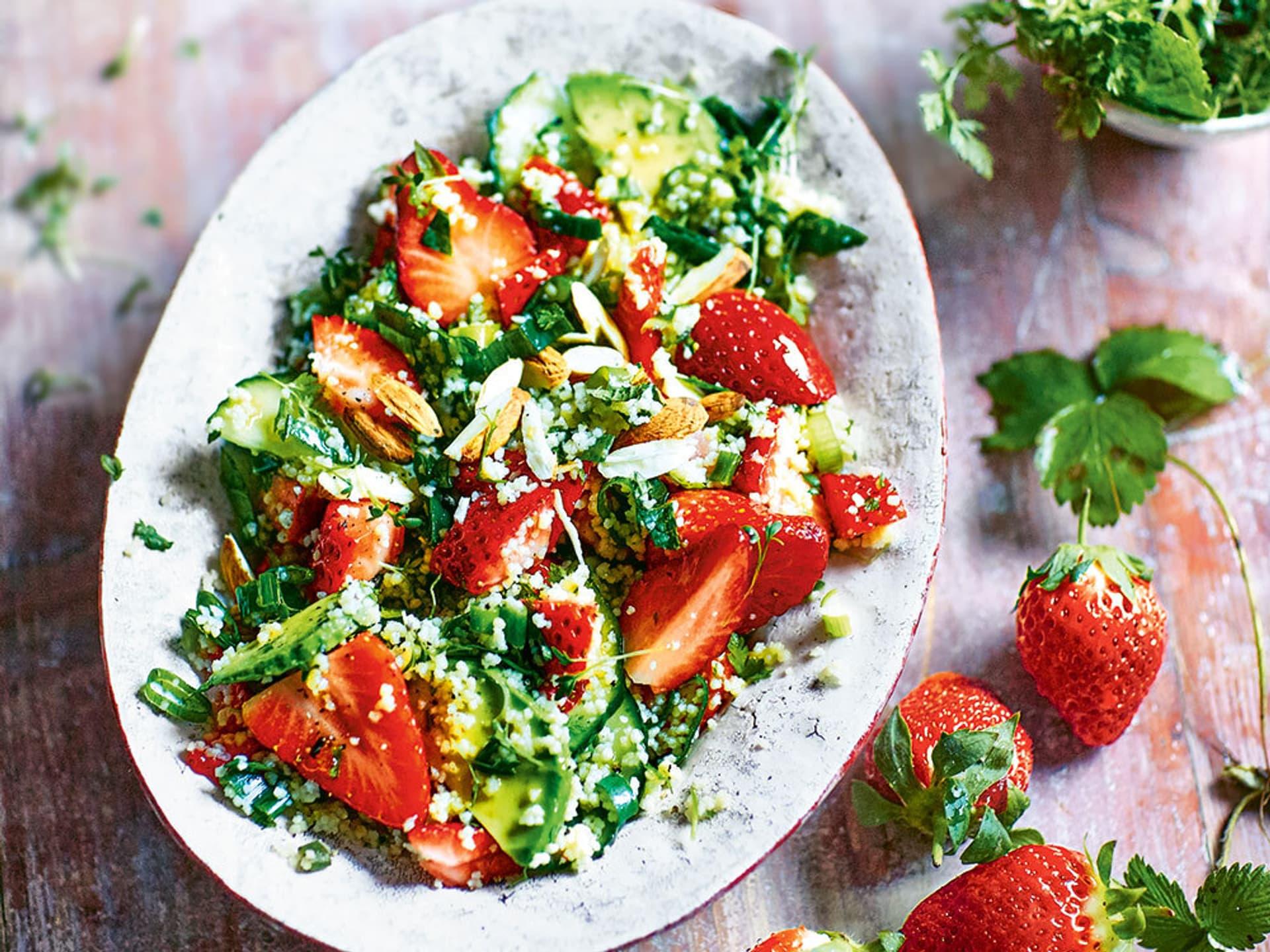 Couscoussalat mit Erdbeeren