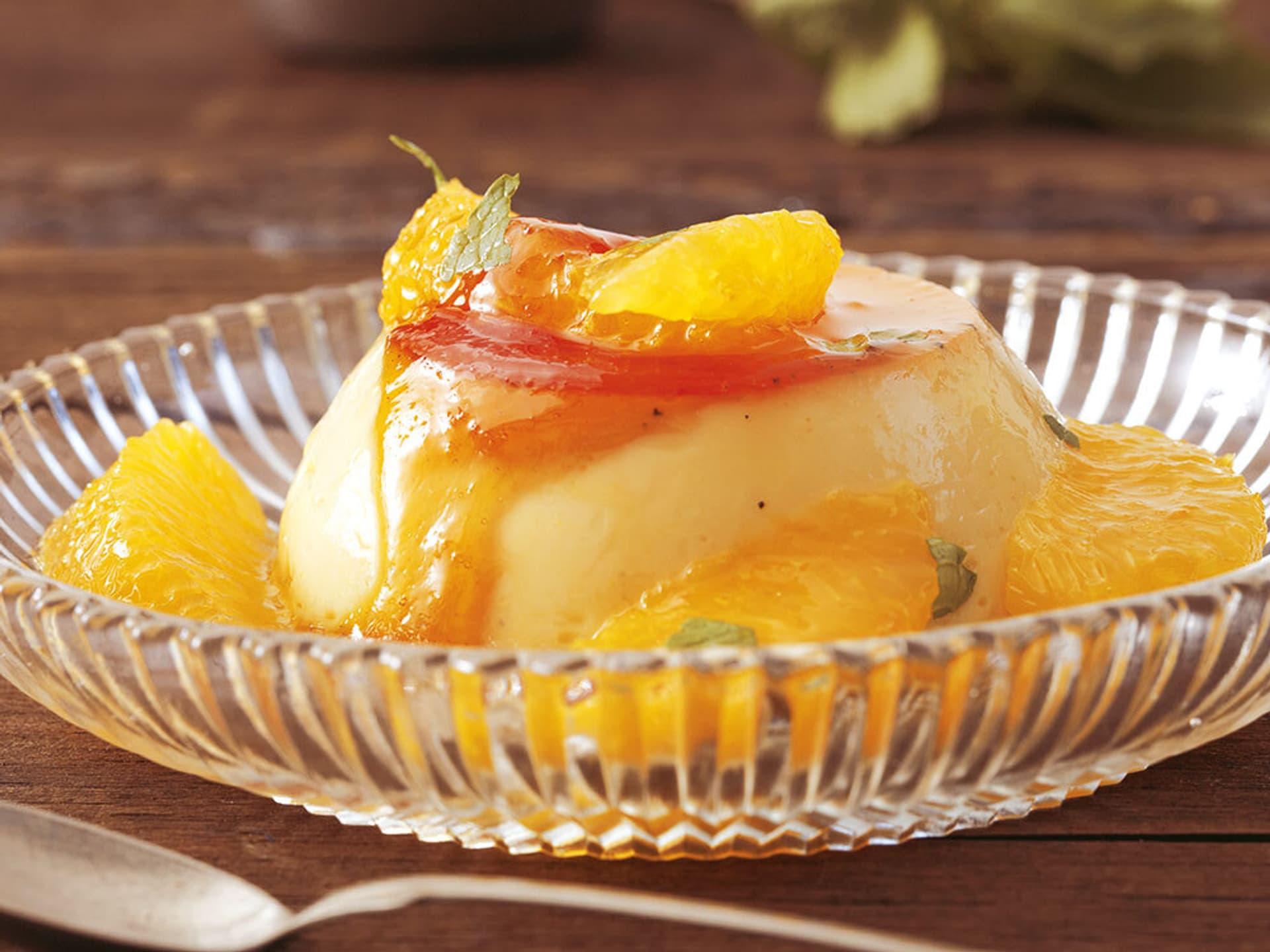 Crème Caramel mit Orangensalat