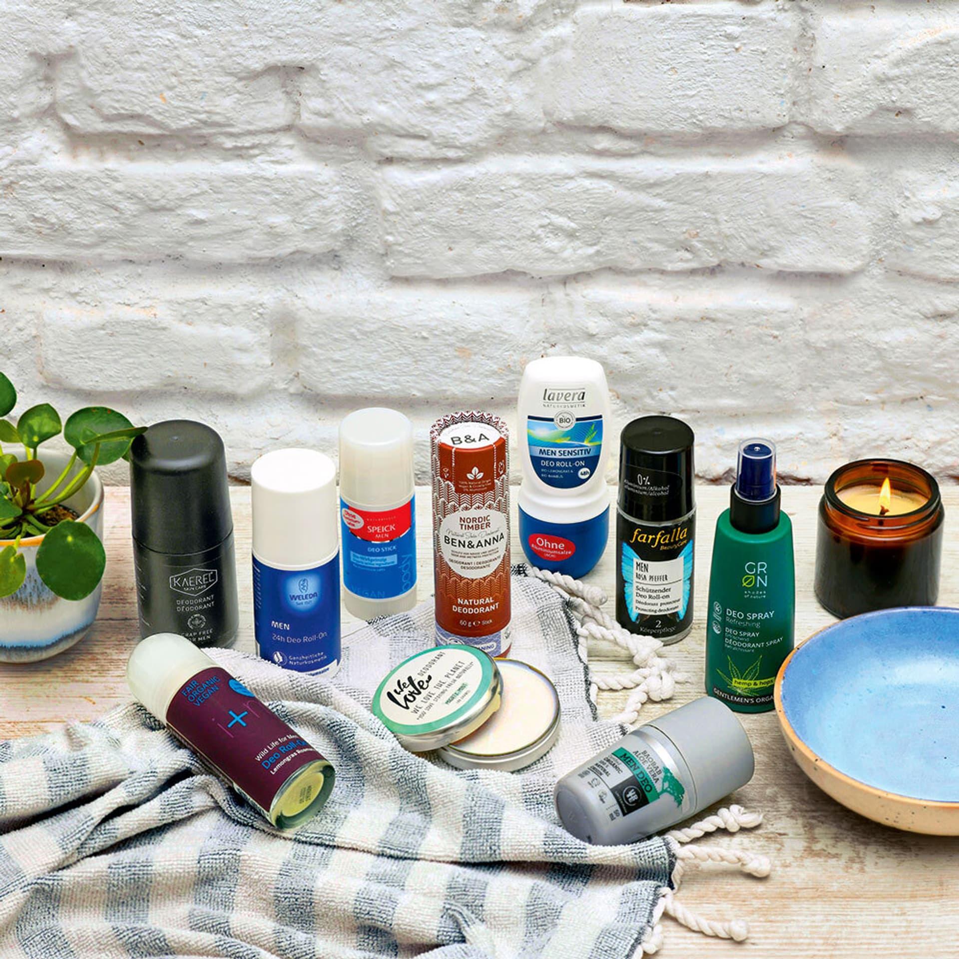 Eine Auswahl an Deodorants für Männer