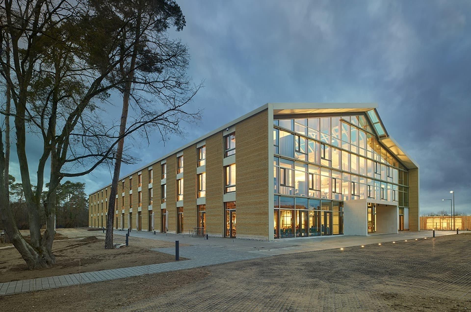 Alnatura Campus Darmstadt Fotograf Roland Halbe1