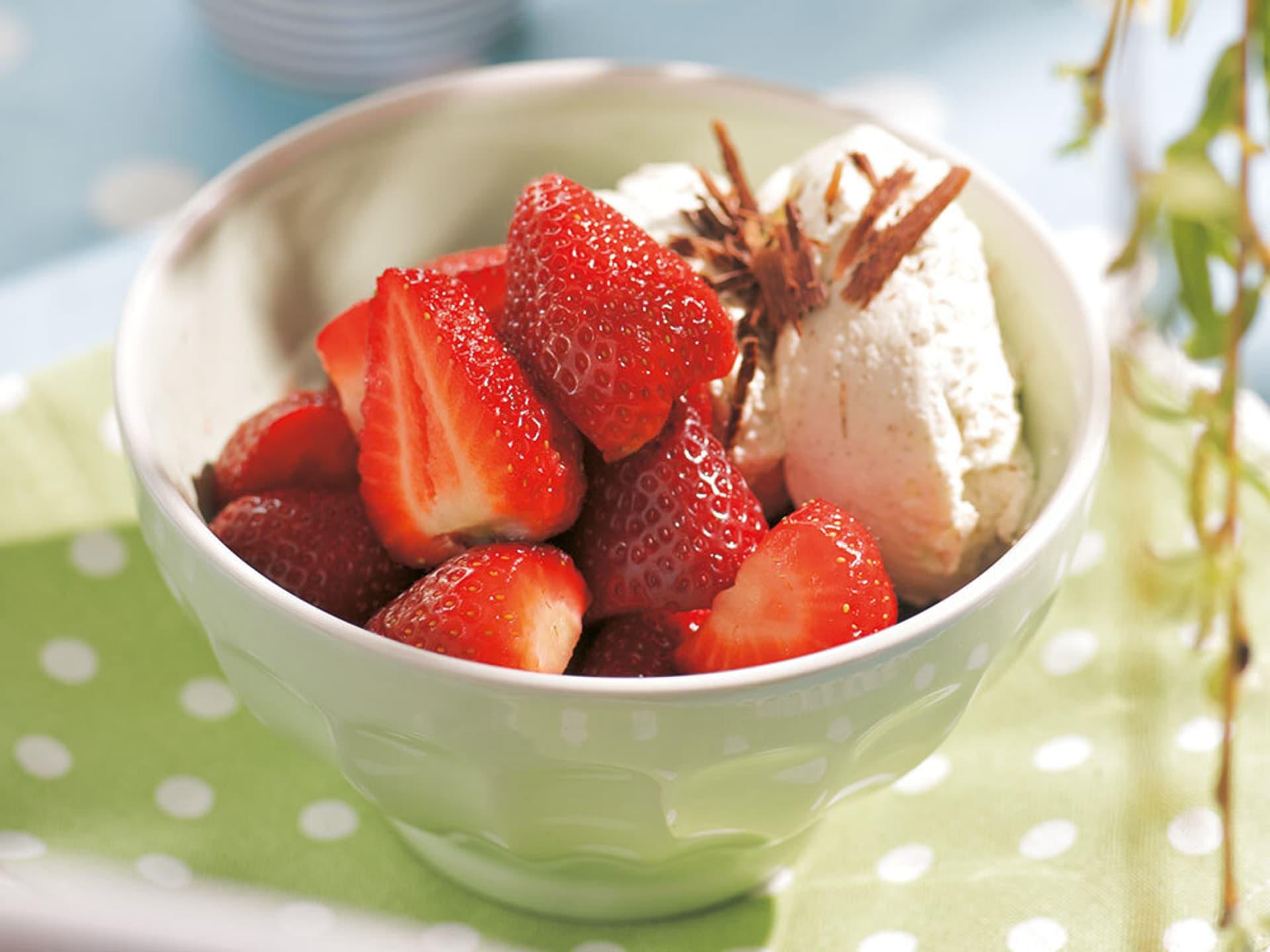 Erdbeeren mit Vanillesahne