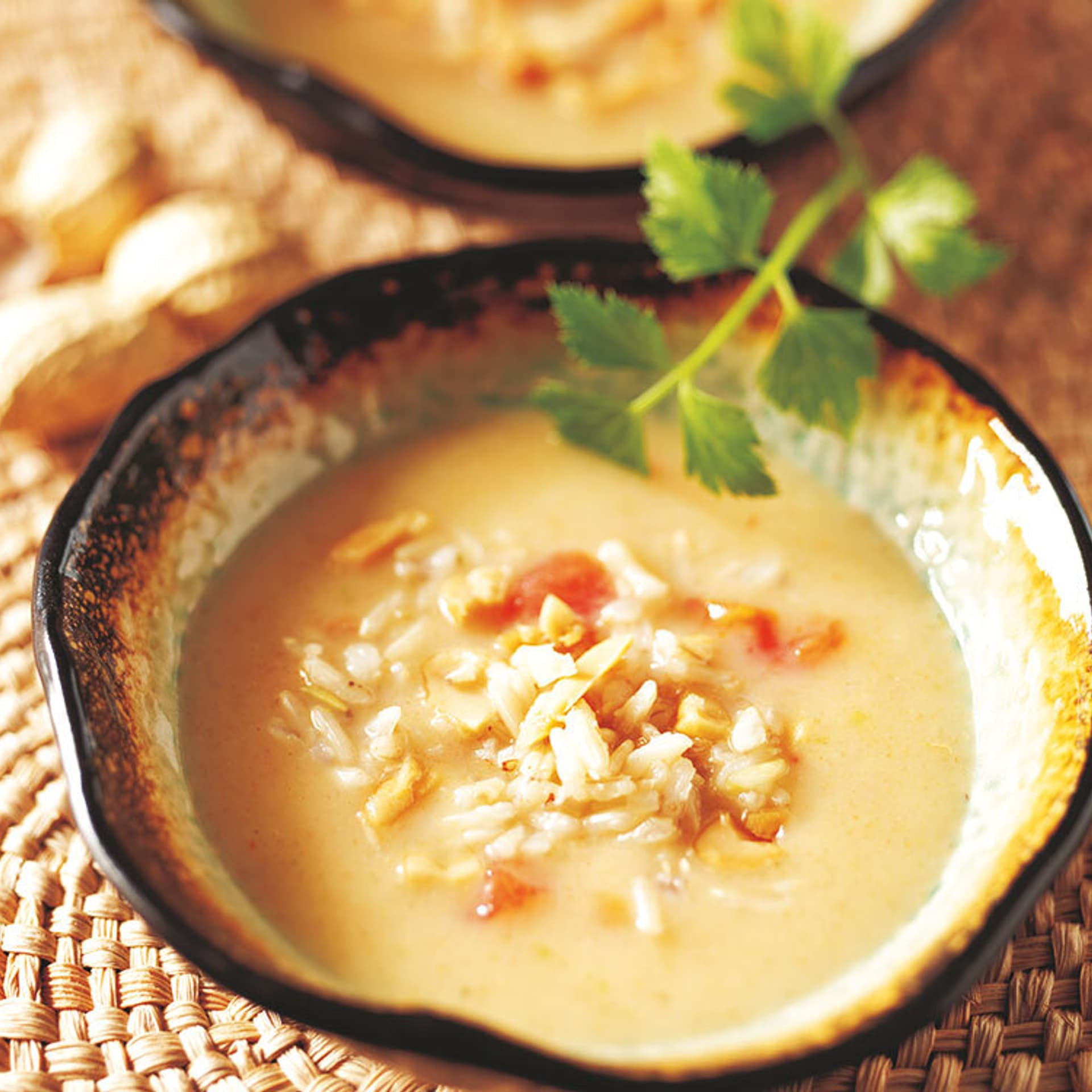 Erdnuss-Suppe mit Reis