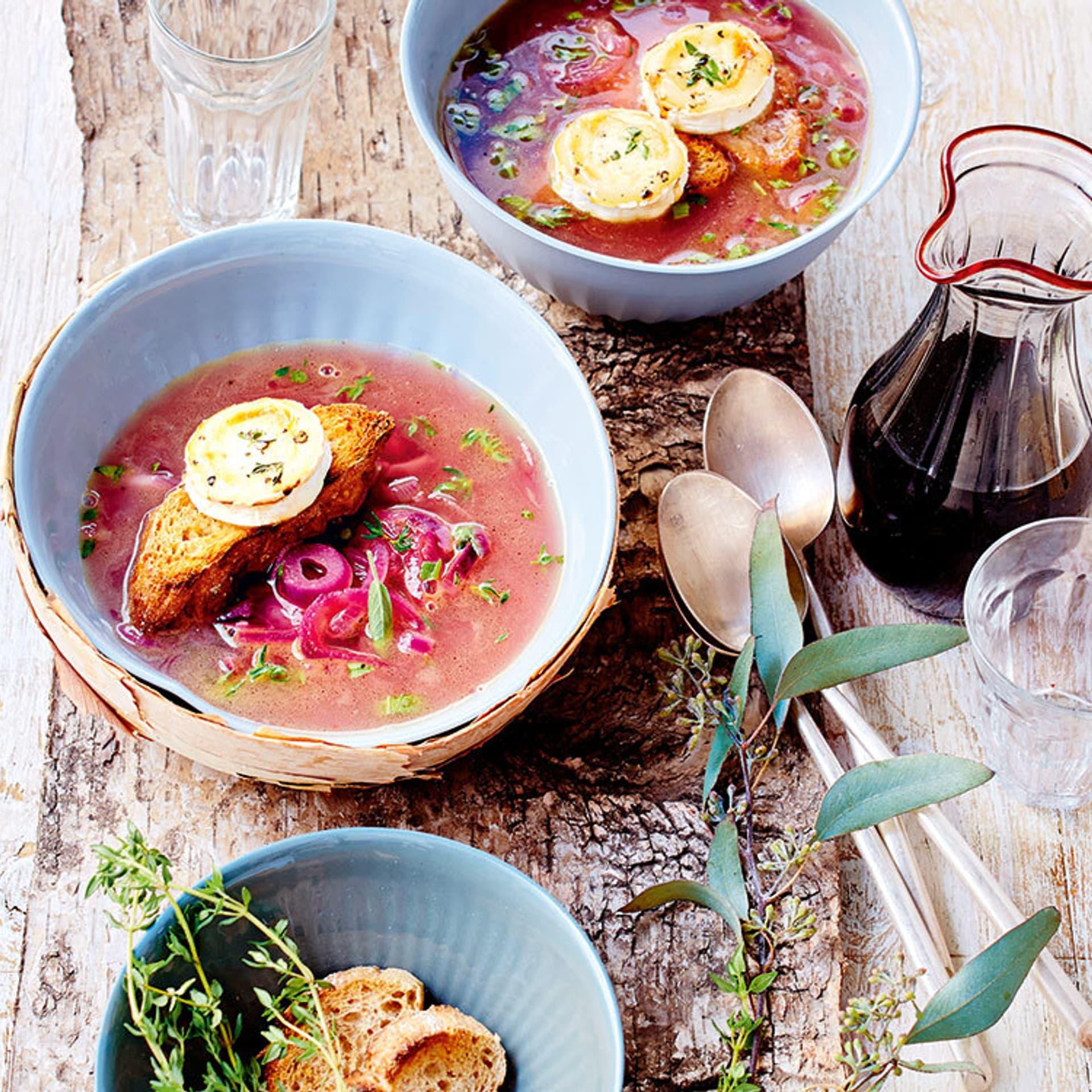 Französische rote Zwiebelsuppe