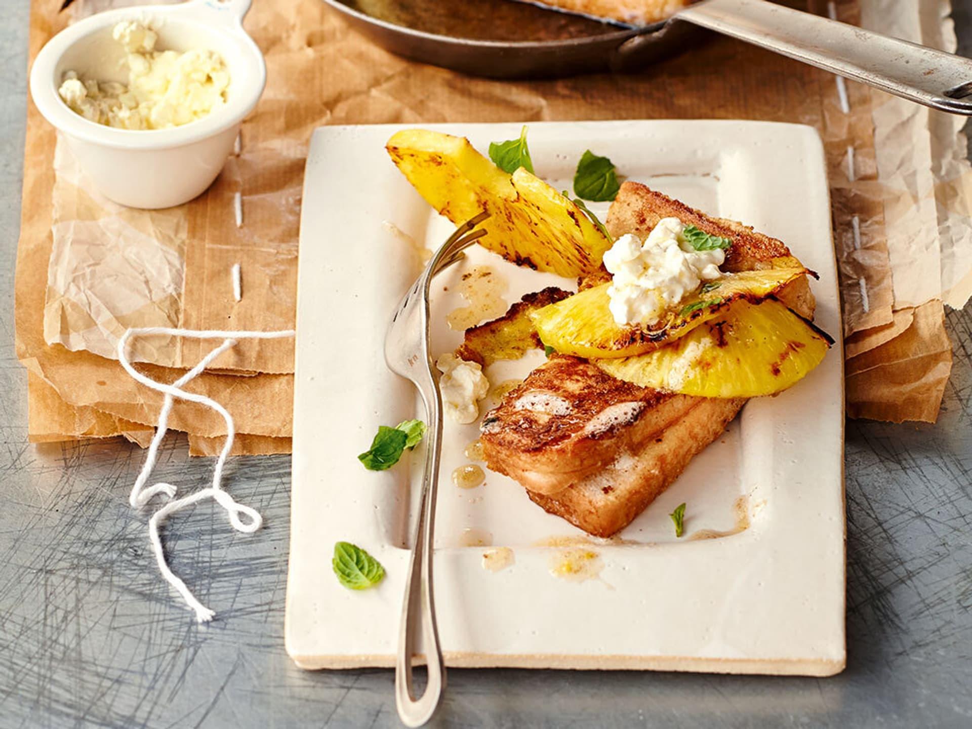 French Toast mit Ananas und Frischkäse