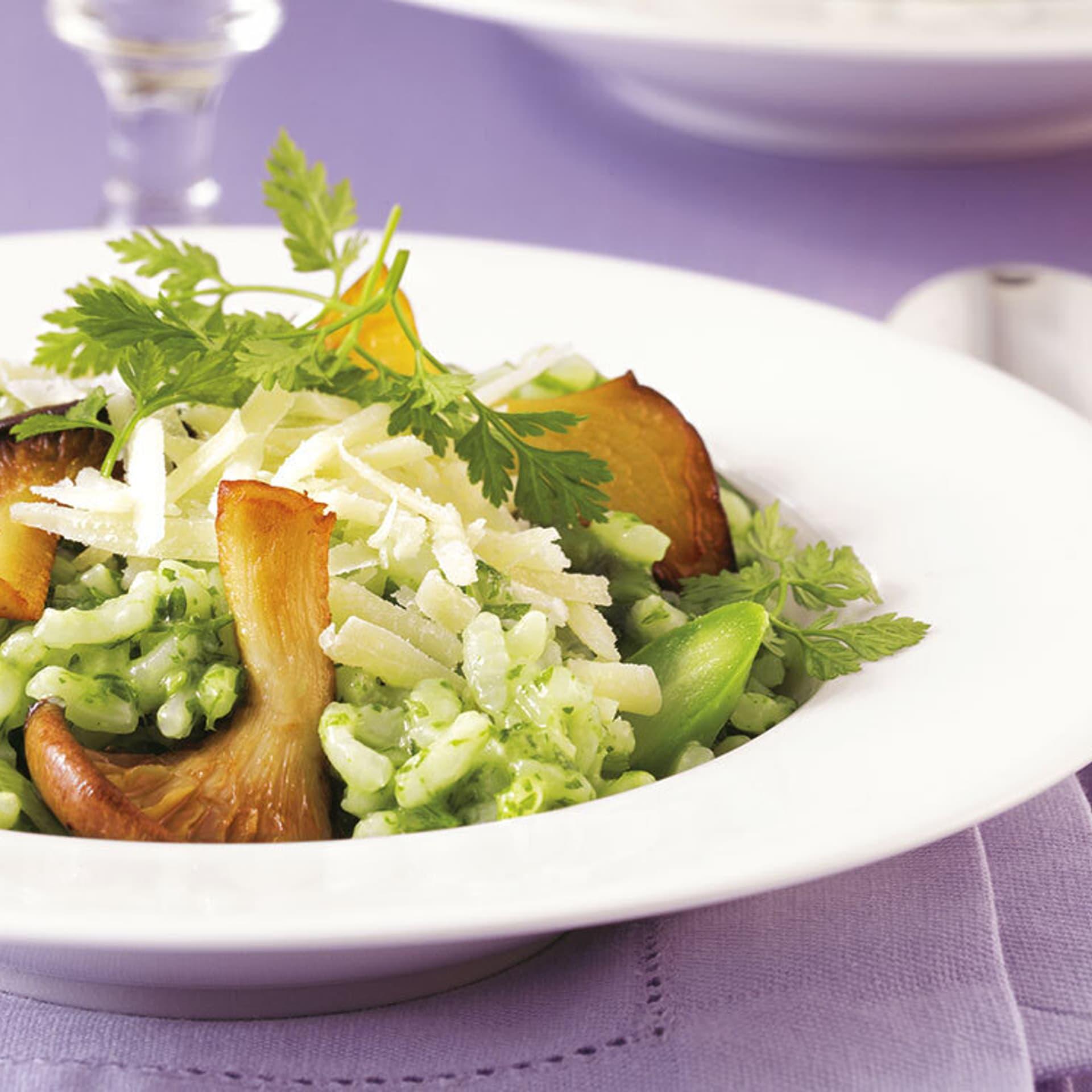 Grünes risotto mit pilzen