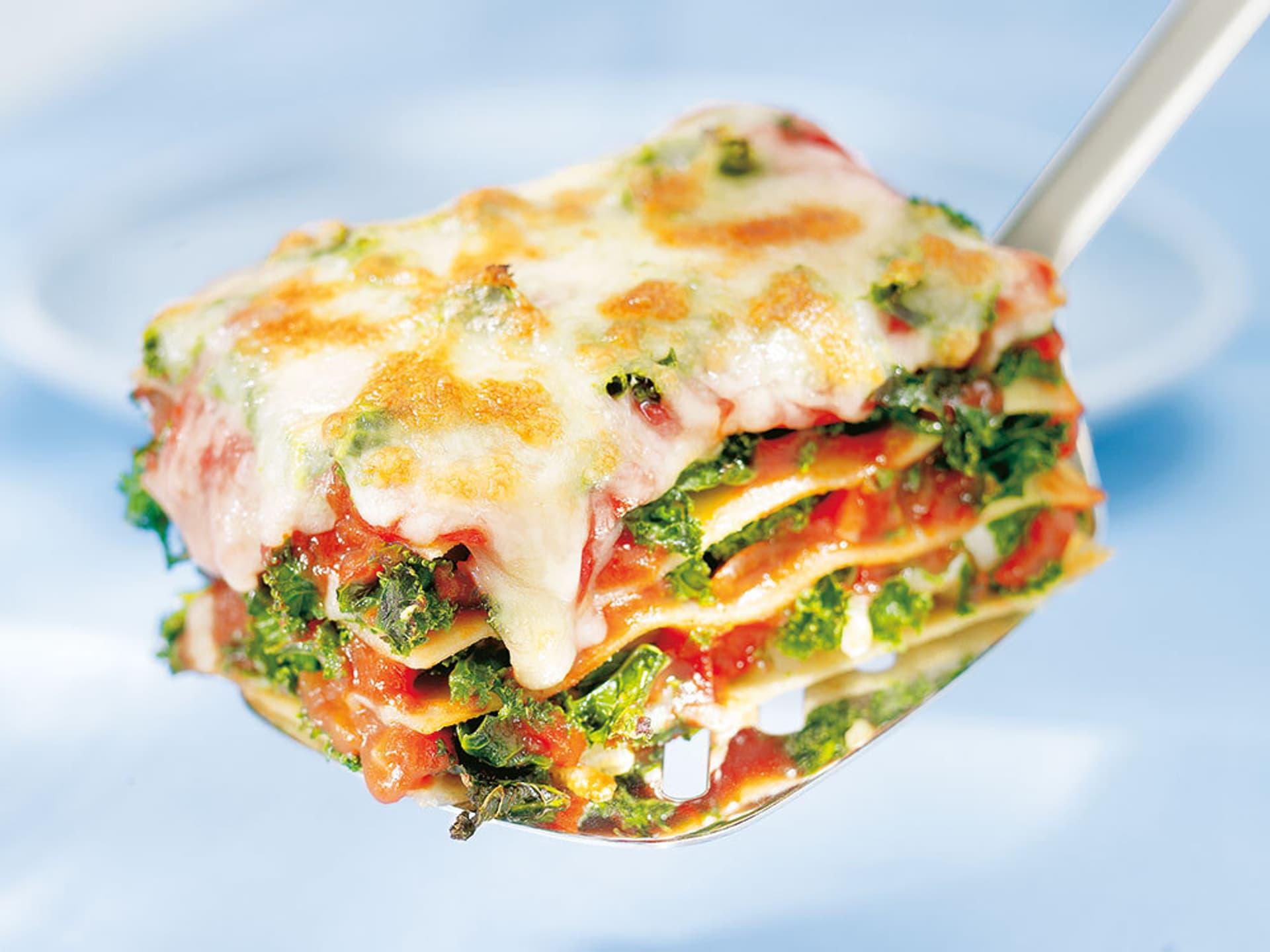 Grünkohl-Lasagne mit Tomatensoße