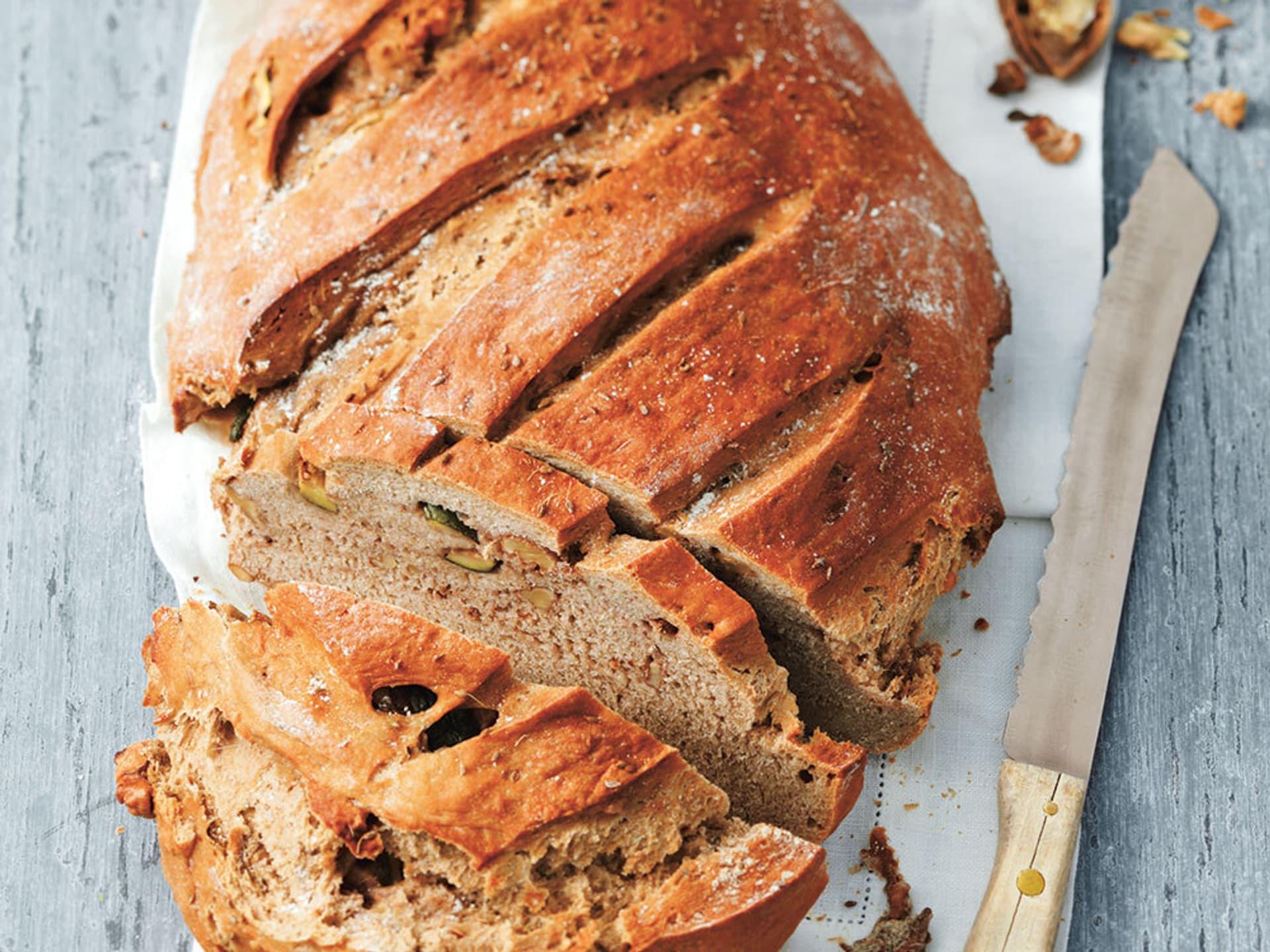 Zucchini-Brot Walnuss