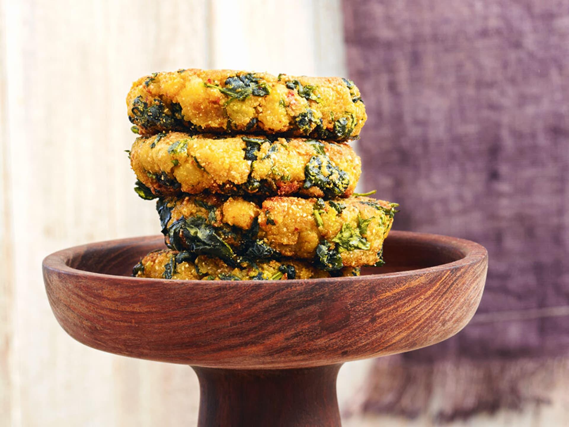 Indische spinatküchlein mit joghurt