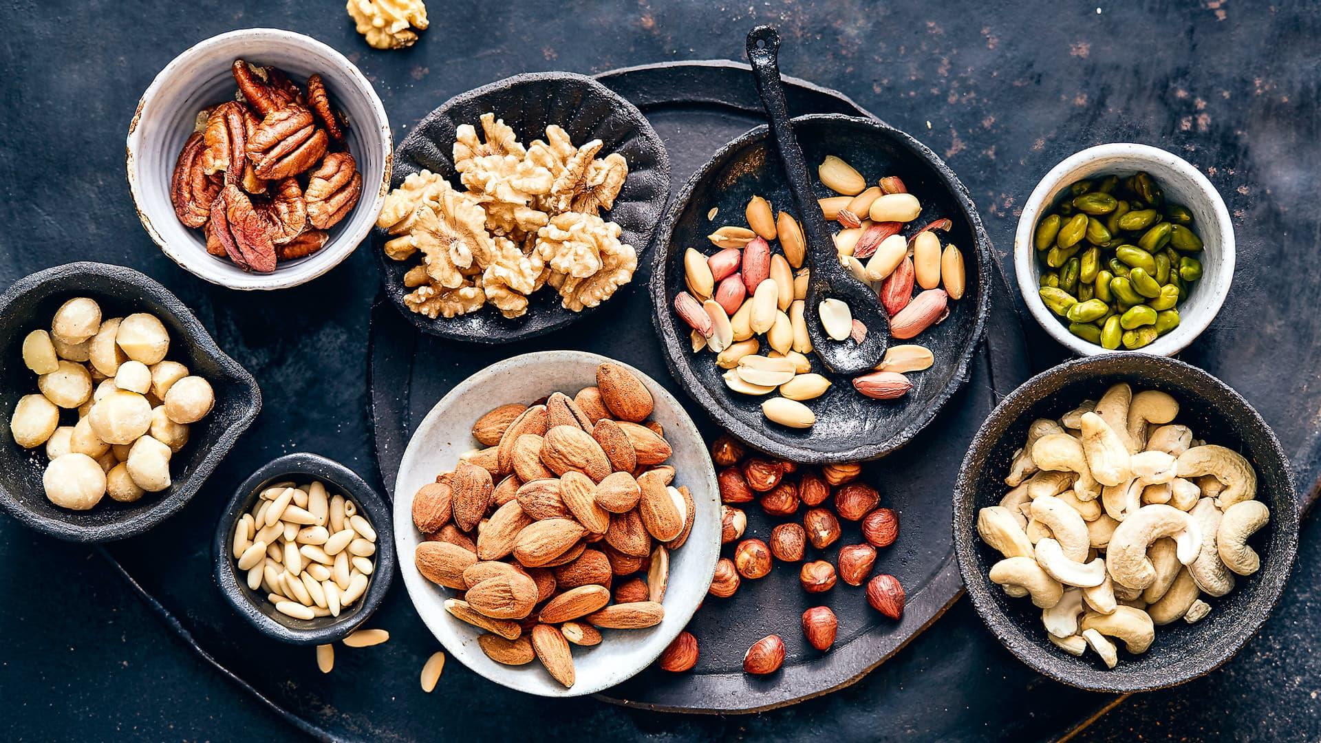 Walnüsse, Mandeln, Haselnüsse, Cashewkerne, Pistazien, Macadamia, Pinienkerne
