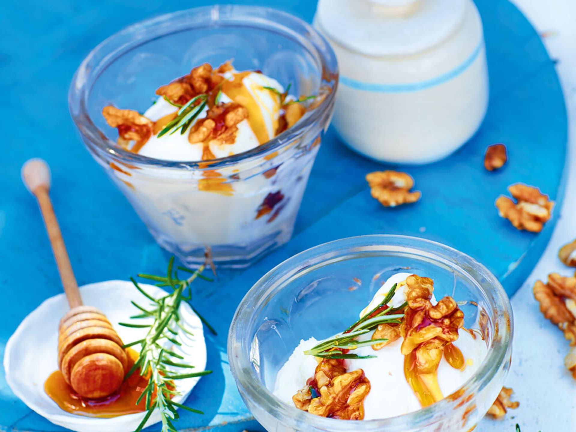 Joghurteis mit Honig