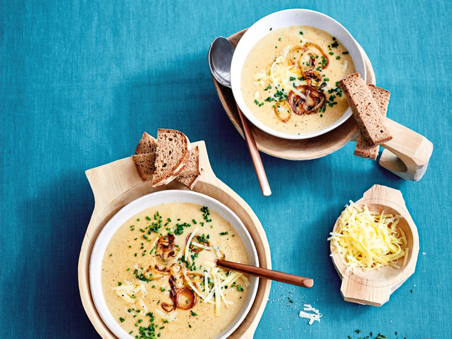 Käse-Brotsuppe mit Zwiebeln