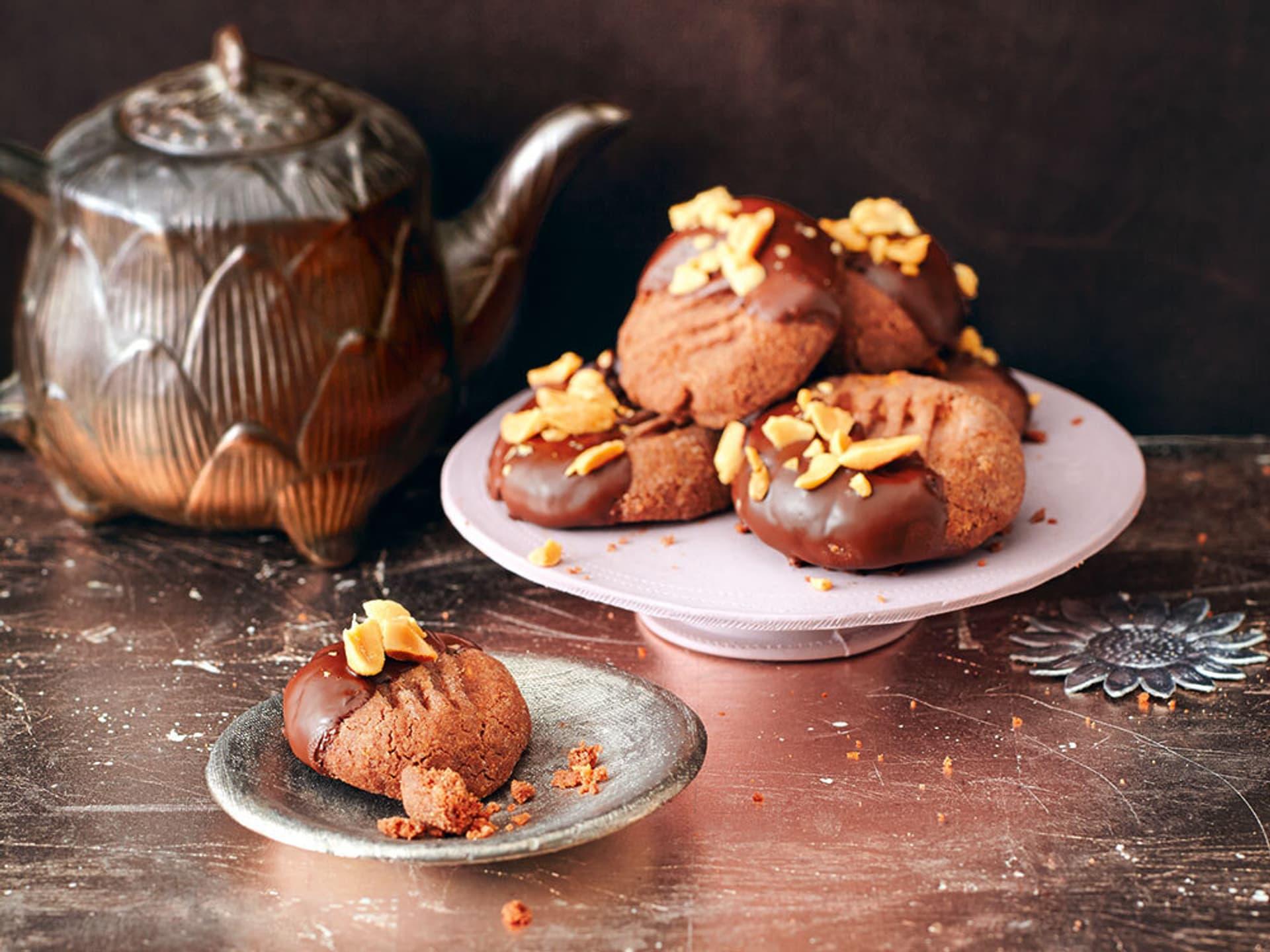 Kakao-Erdnussmürbchen