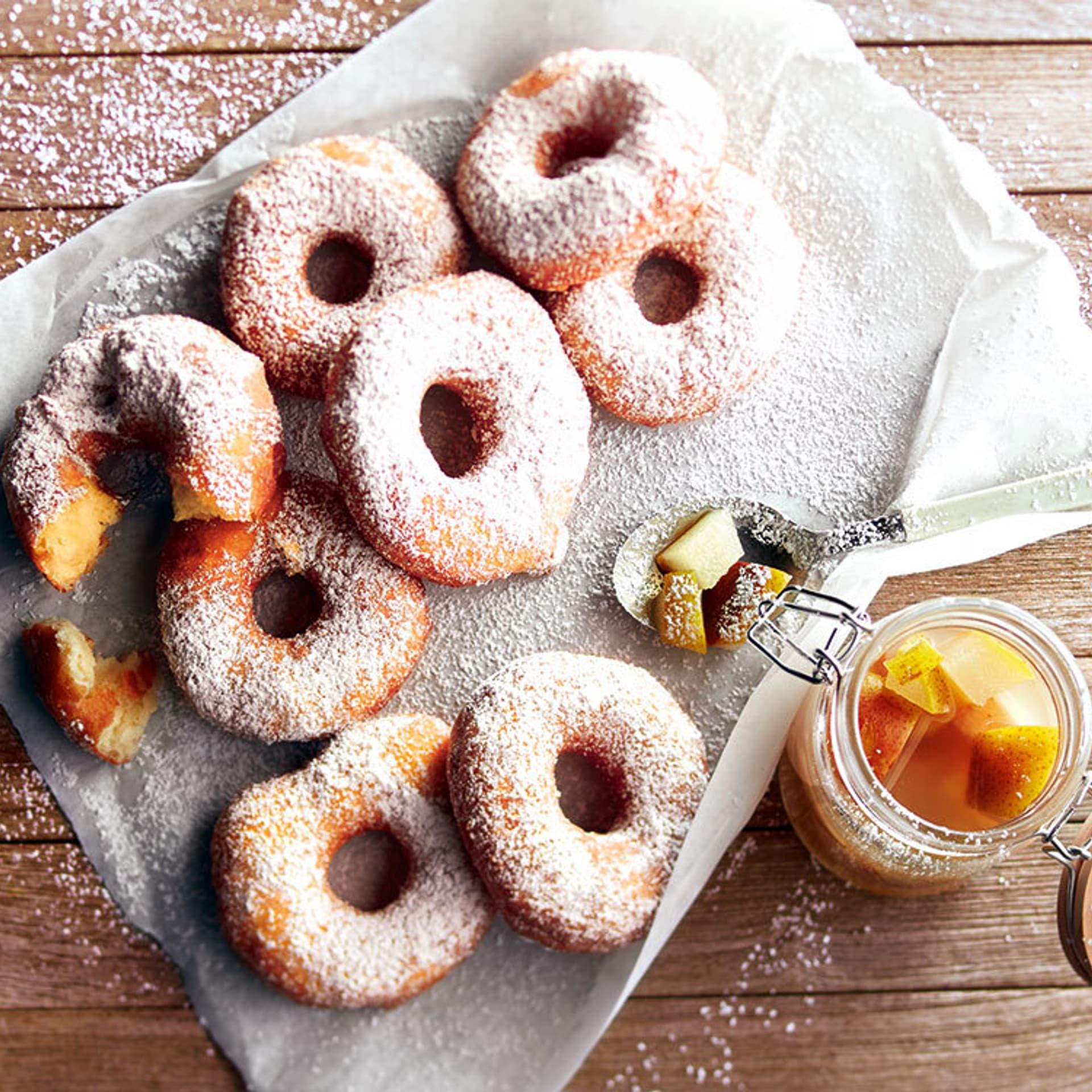 Kartoffel-Donuts mit Zimt-Birnen