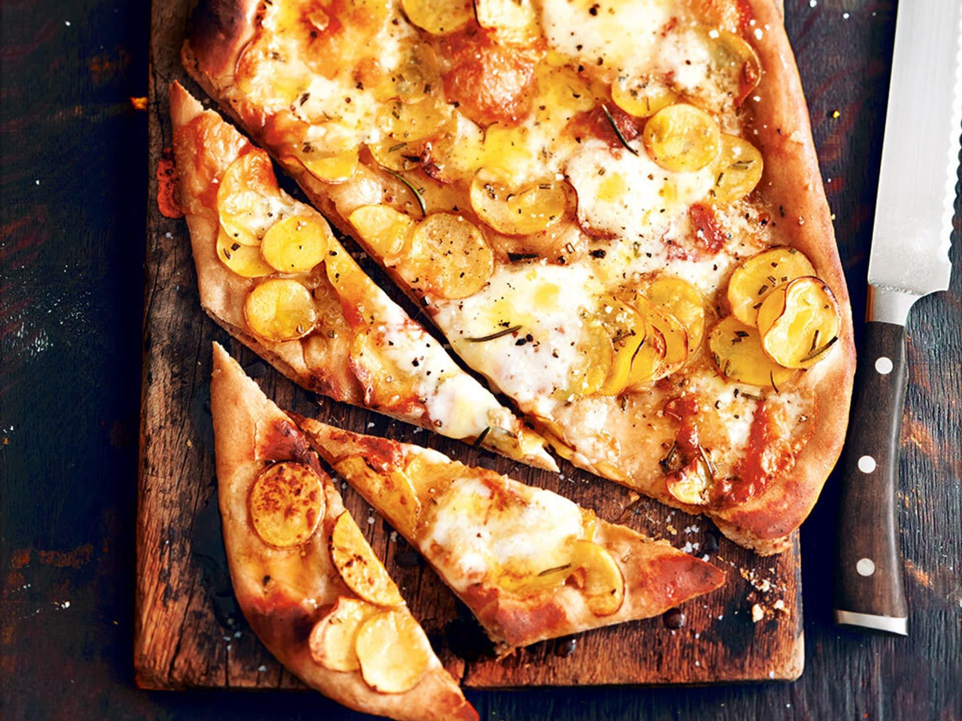 Kartoffel-Knoblauch-Pizza