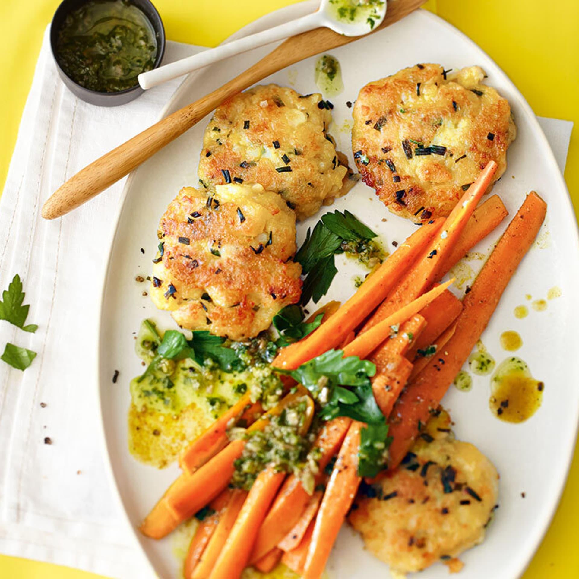 Kartoffelküchlein mit Gewürz-Karotten