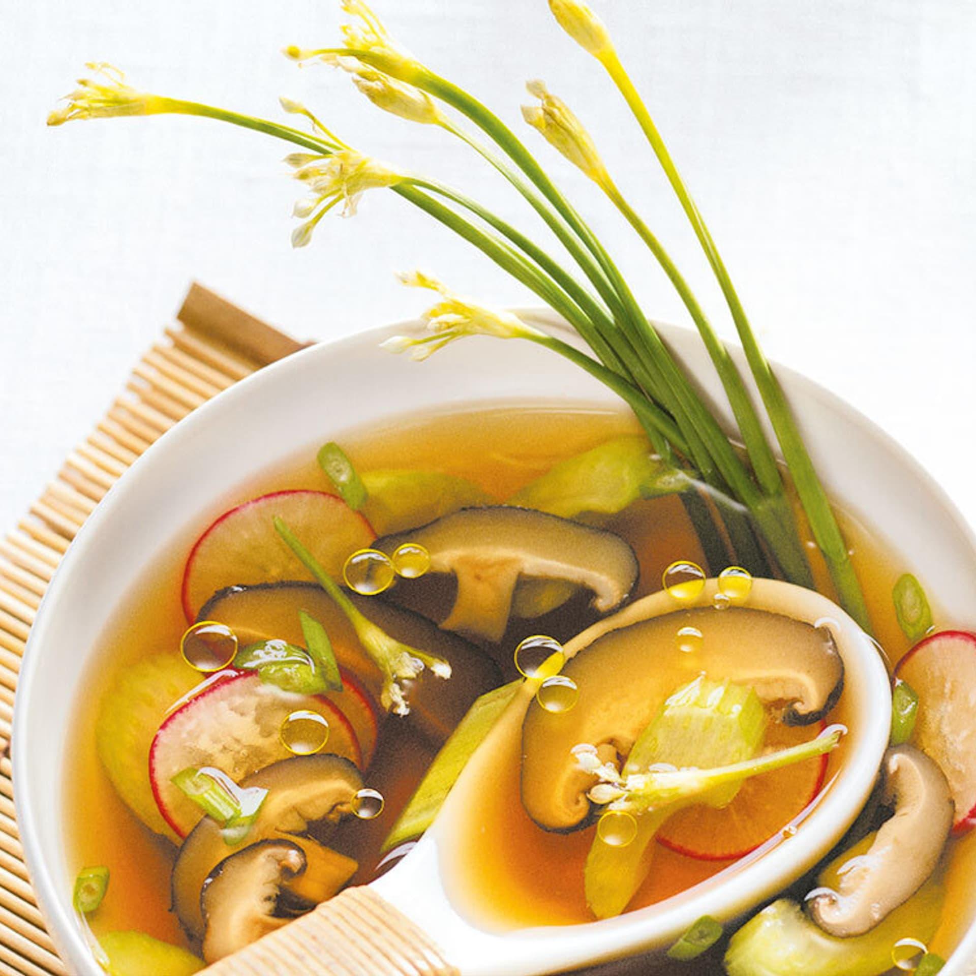 Klare shiitake suppe