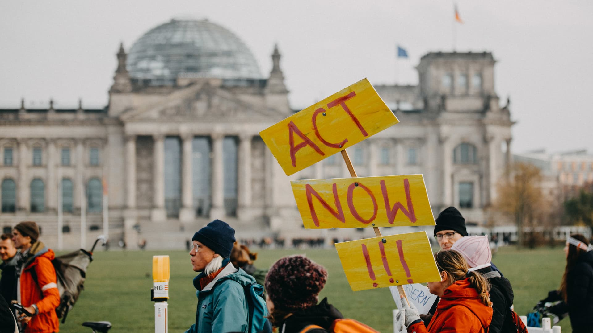 Act now Demo Fridays for Future Klimastreik